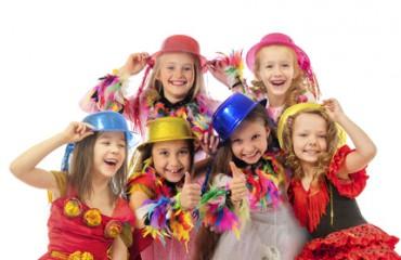 Fasching mit den Kleinen – So gelingt das Kostümfest